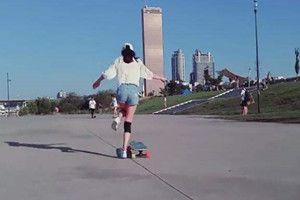 抖音滑板女孩动态桌面壁纸怎么设置?抖音滑板女孩动态壁纸设置方法[多图]图片1