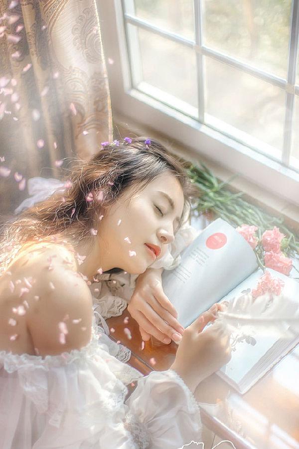 清纯美女唯美写真壁纸640*980[多图]