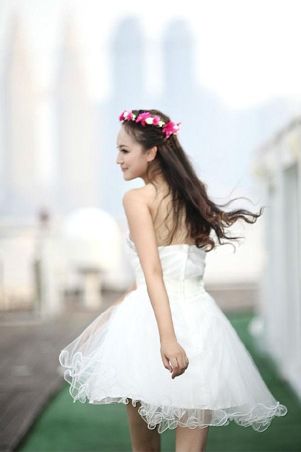 性感婚纱美女手机壁纸640*980[多图]